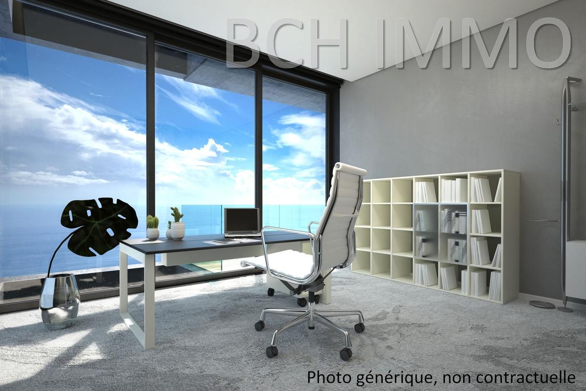 Location plateau de bureaux lumineux en excellent avec vue mer situé à la Joliette Euromediterrannée à Marseille 13002