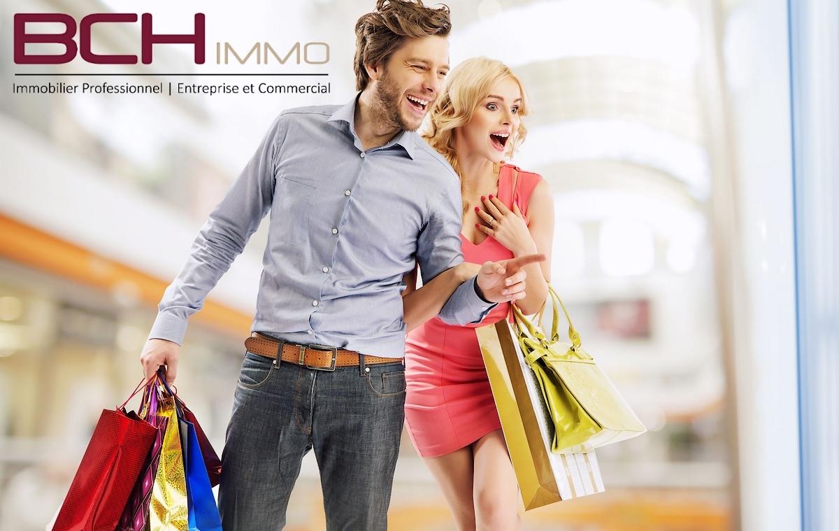 L'agence immobilière BCH IMMO spécialisée vente et location de locaux commerciaux à Aubagne, vous propose la location de ce local commercial situé sur emplacement n°1 dans la ZAC des Paluds à Aubagne 13400.
