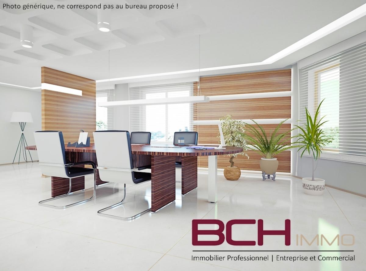 L'agence immobilière BCH IMMO spécialiste en immobilier d'entreprise à Marseille 13014, vous propose la location de ces bureaux lumineux situé aux Arnavaux