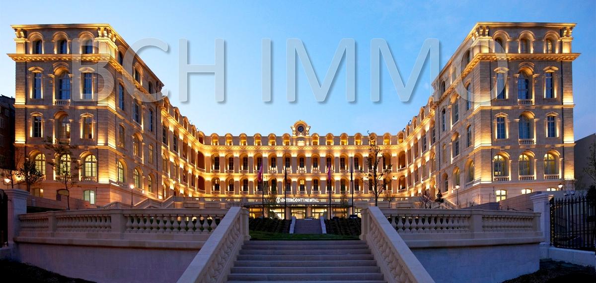 Location local commercial situé proche de l'hotel dieu Intercontinental secteur du Panier Marseille 13002