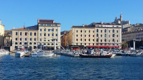 Vente local commecial avec terrasse Vieux-Port quai de rive neuve à Marseille 13001