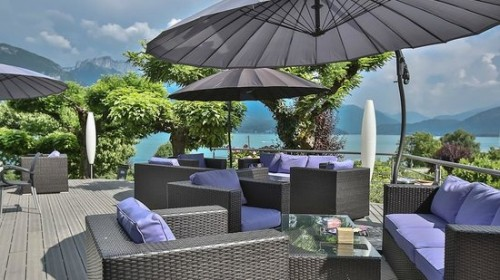 L'agence immobilière BCH IMMO spécialisée en vente de fonds de commerce à Marseille et  ses environs , vous propose ce Restaurant salon de thé avec grande terrasse ensoleillée à vendre situé sur le cours Julien à Marseille 13006